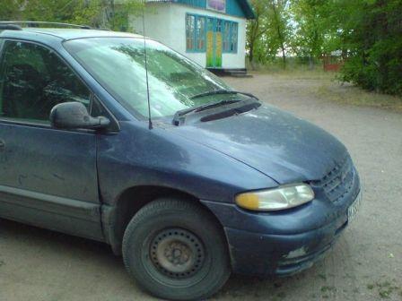 Chrysler Voyager 1997 - отзыв владельца