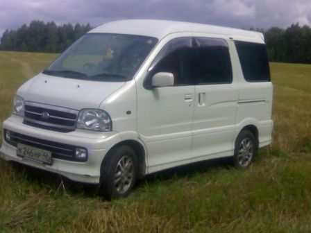 Daihatsu Atrai7 2002 - отзыв владельца