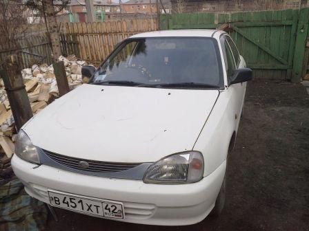 Daihatsu Charade Social 1999 - отзыв владельца