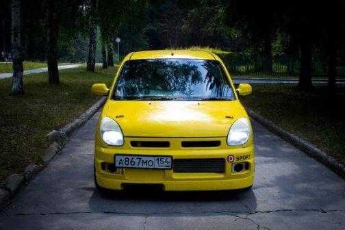 Daihatsu Storia 2001 - отзыв владельца