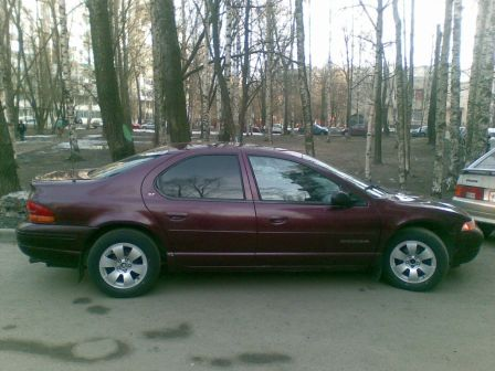 Dodge Stratus 1999 - отзыв владельца