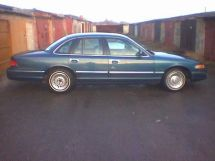 Ford Crown Victoria, 1993