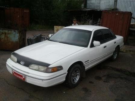 Ford Crown Victoria 1992 - отзыв владельца