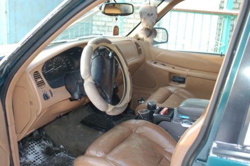 Ford Explorer 1997 - отзыв владельца