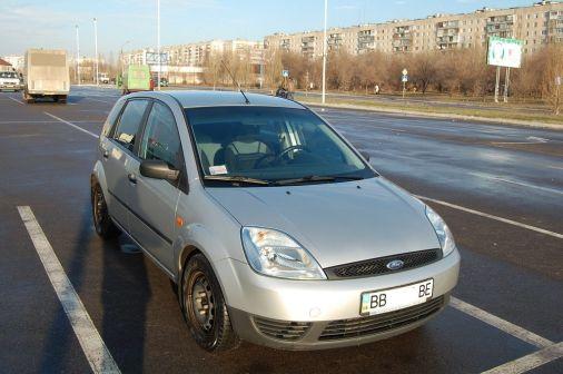 Ford Fiesta 2005 - отзыв владельца