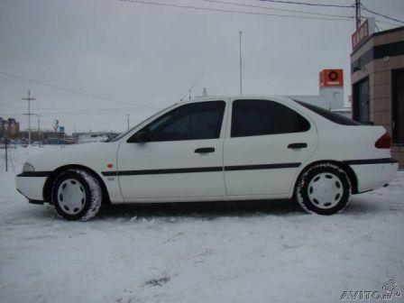 Ford Mondeo 1993 - отзыв владельца