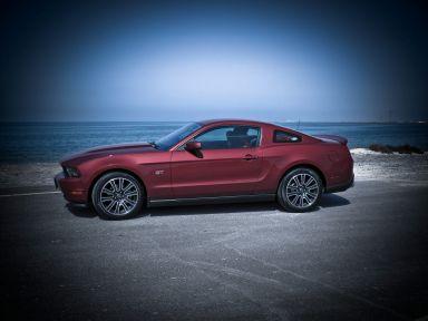 Ford Mustang 2010 отзыв автора | Дата публикации 13.01.2010.