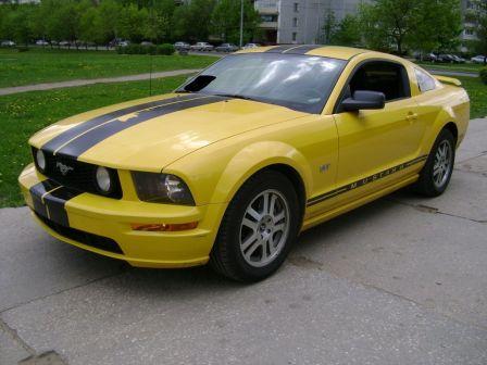 Ford Mustang 2005 - отзыв владельца