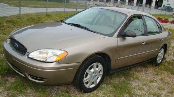 Ford Taurus 2001 - отзыв владельца