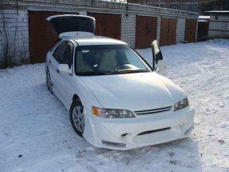 Honda Accord 1995 - отзыв владельца