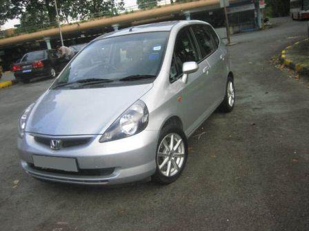 Honda Fit 2003 - отзыв владельца