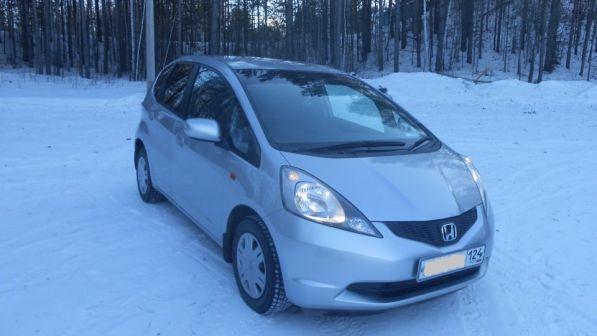 Honda Fit 2009 - отзыв владельца