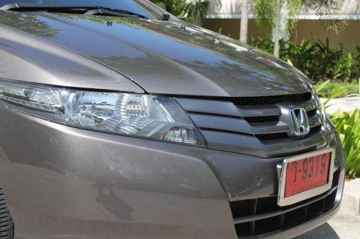Honda Fit Aria 2011 - отзыв владельца