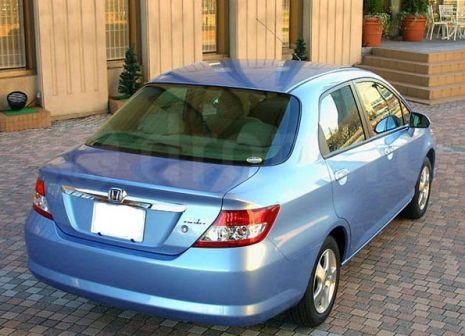 Honda Fit Aria 2004 - отзыв владельца