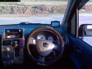 Honda Mobilio Spike, 2003