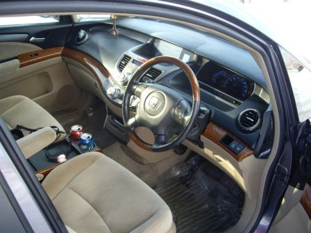 Honda Odyssey 2004 - отзыв владельца