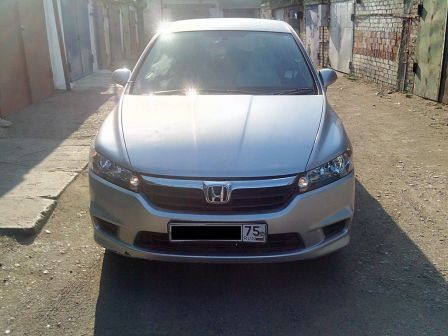 Honda Stream 2008 - отзыв владельца