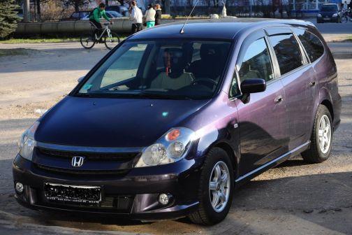 Honda Stream 2005 - отзыв владельца
