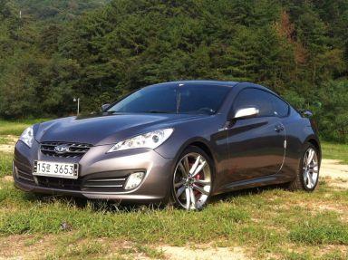 Hyundai Genesis, 2011