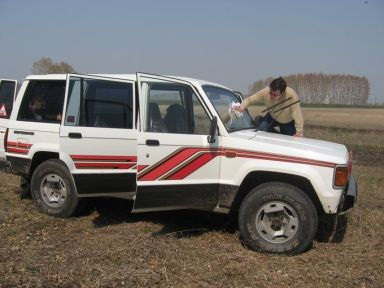 Isuzu Trooper, 1988