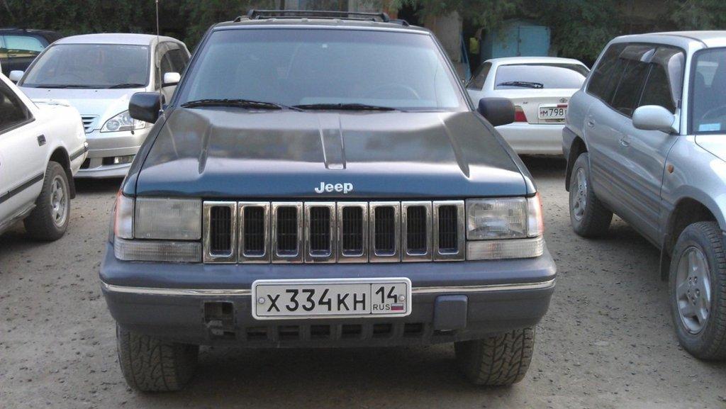 Запчасти на jeep grand cherokee 1993