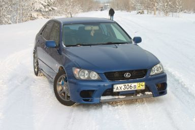 Lexus IS200, 2002