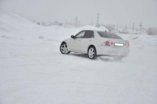 Lexus IS200 2002 - отзыв владельца