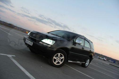 Lexus RX300 1998 - отзыв владельца