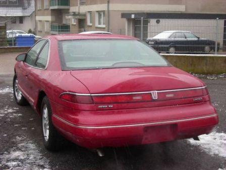 Lincoln Mark VIII 1993 - отзыв владельца