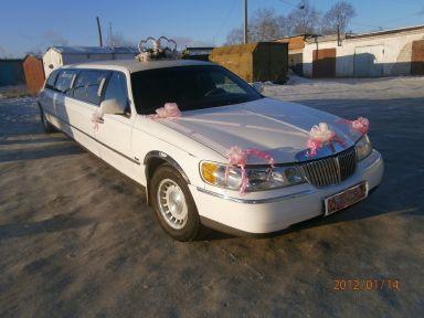 Lincoln Town Car, 2000