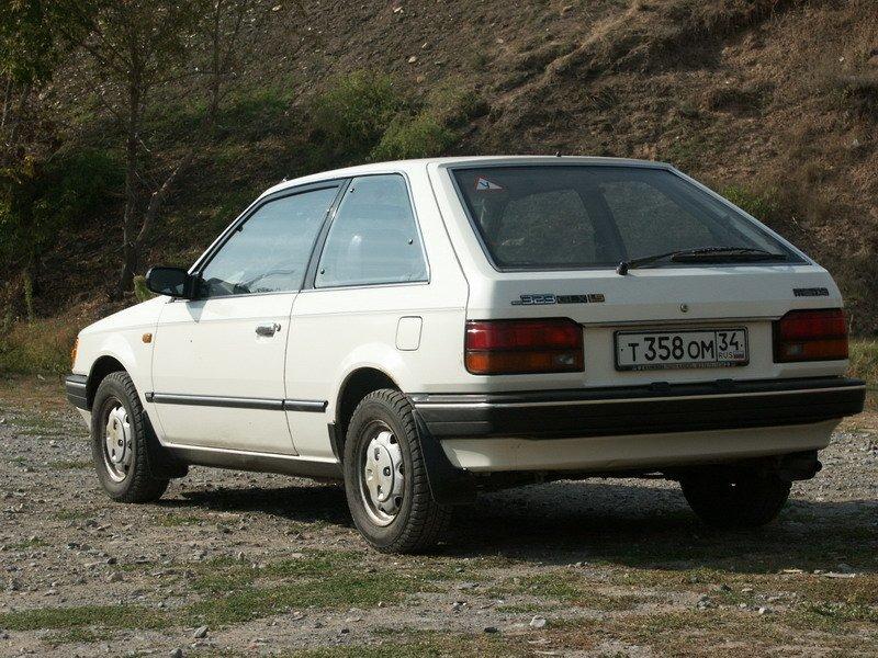 mazda 323, 1985 седан фото