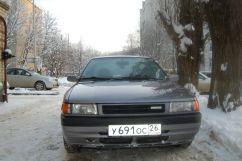 Mazda 323, 1990