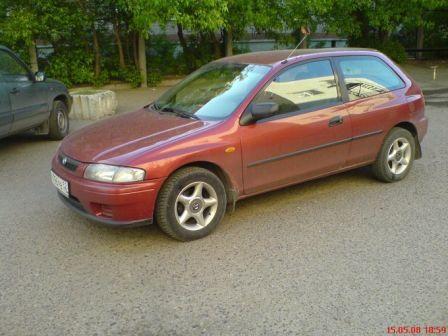 Mazda 323 1998 - отзыв владельца