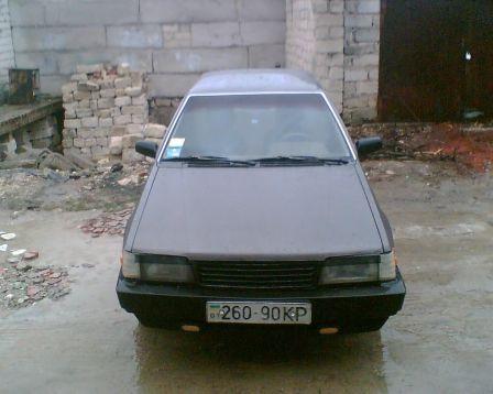 Mazda 323 1987 - отзыв владельца