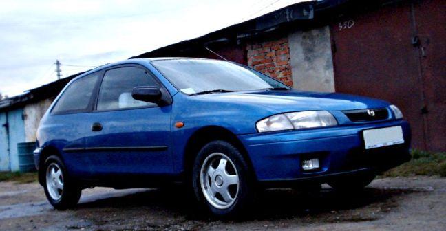 Mazda 323 1999 - отзыв владельца