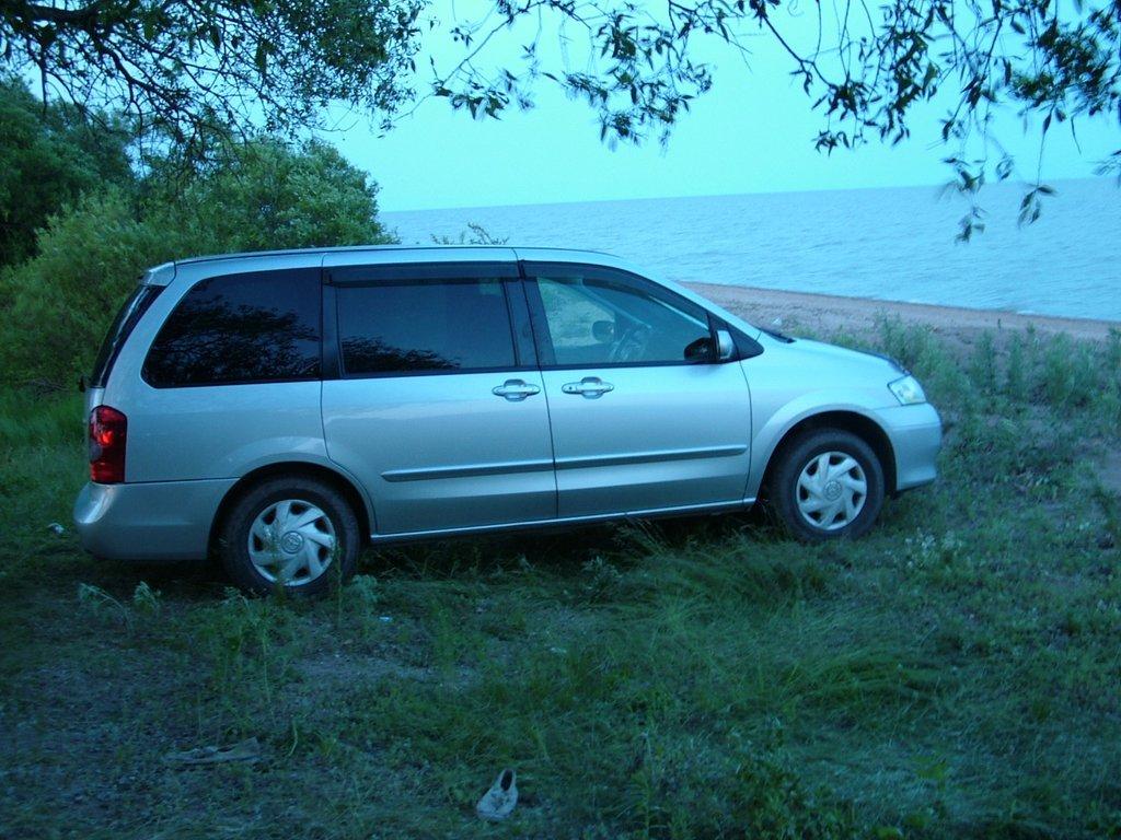Mazda titan 2003 fe троит
