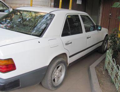 Mercedes-Benz E-Class, 1987