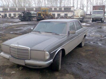 Mercedes-Benz E-Class 1983 - отзыв владельца