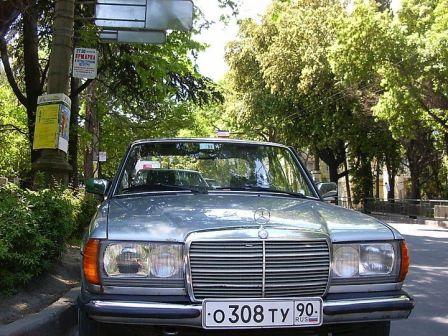 Mercedes-Benz E-Class 1984 - отзыв владельца