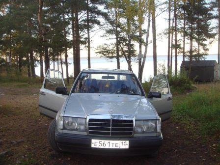 Mercedes-Benz E-Class 1985 - отзыв владельца