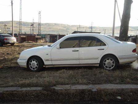 Mercedes-Benz E-Class 1996 - отзыв владельца