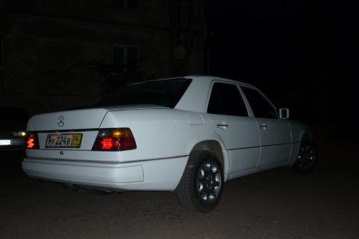 Mercedes-Benz E-Class 1990 - отзыв владельца