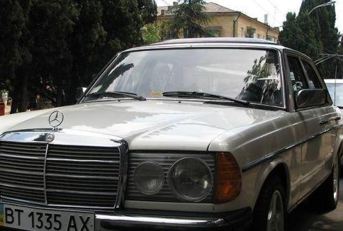 Mercedes-Benz E-Class 1977 - отзыв владельца