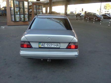 Mercedes-Benz E-Class 1988 - отзыв владельца