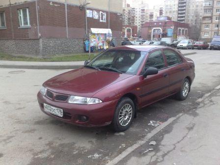 Mitsubishi Carisma 1998 - отзыв владельца