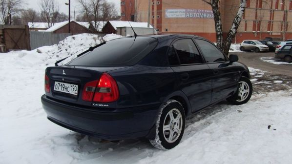 Mitsubishi Carisma 2002 - отзыв владельца