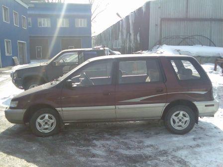Mitsubishi Chariot 1993 - отзыв владельца