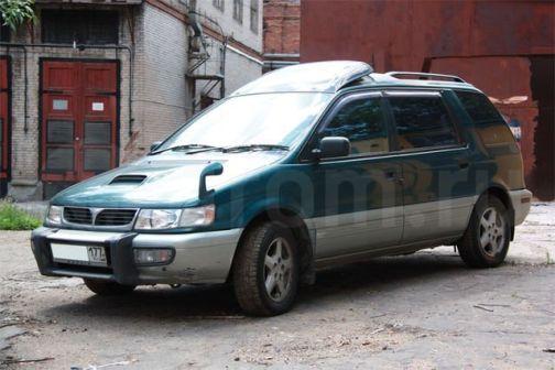 Mitsubishi Chariot 1995 - отзыв владельца