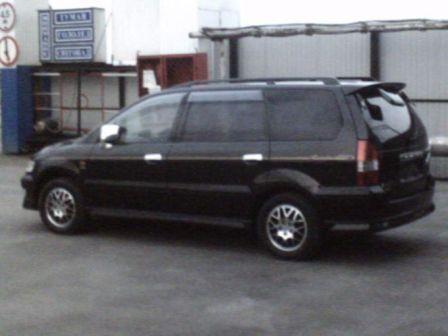 Mitsubishi Chariot Grandis 1999 - отзыв владельца