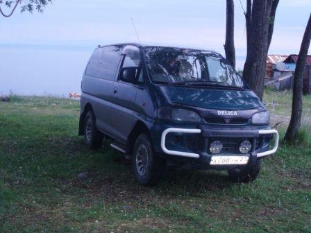 Mitsubishi Delica 1995 - отзыв владельца